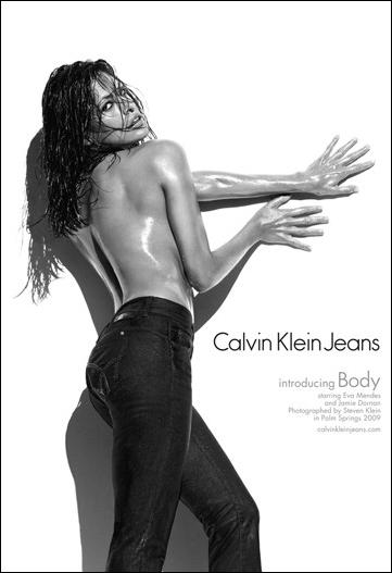 Eva Mendes: a musa curvilínia do jeans CK, clicada pelo estrelado Steven Klein.