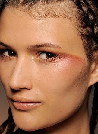 090918-tendances-maquillages-et-coiffures-_aspx69880Image